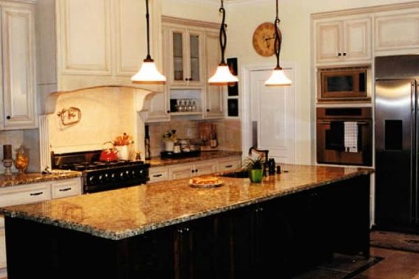 kitchen-163668E4F1-ED20-926B-8AE2-B9ED2F5E0891.jpg